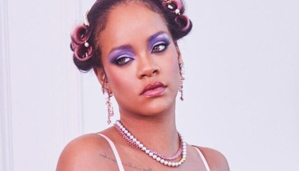 Gf W2fr Nvx5 Ikxm Rihanna W Bieliznie Savage X Fenty 664x0 Nocrop